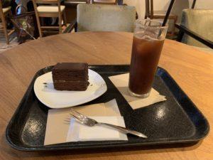 ポールバセット コロンビアアイスとチョコレートケーキ