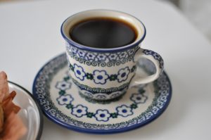 コーヒーとカップの画像