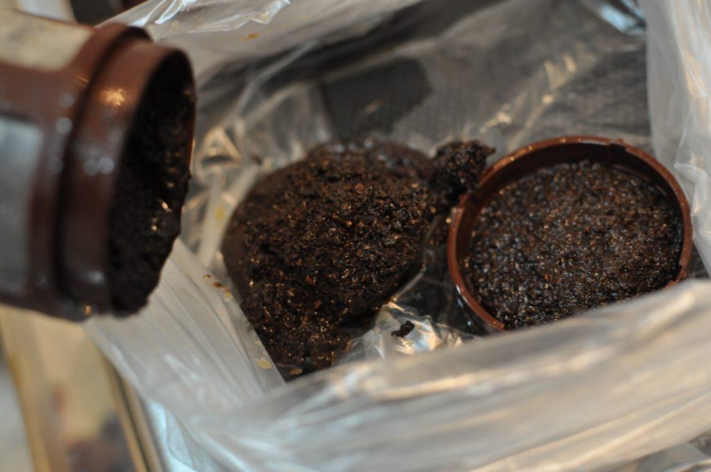 カートリッジのコーヒー粉の処理