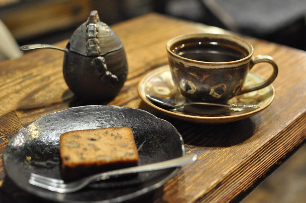 パウンドケーキとコーヒー