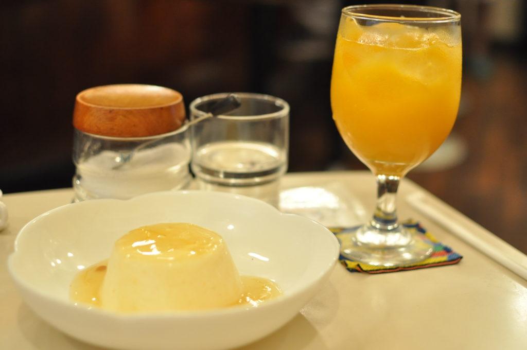 ババロアとオレンジジュース