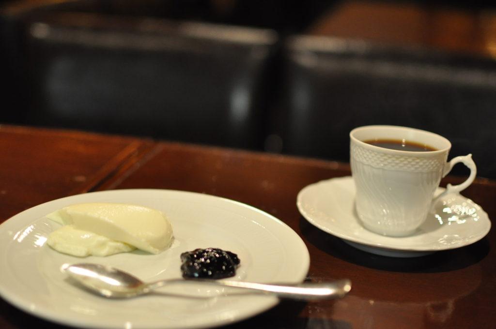 珈琲とレアチーズケーキ