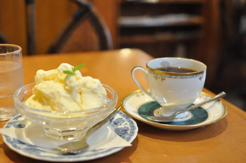 コーヒーとアイスクリーム