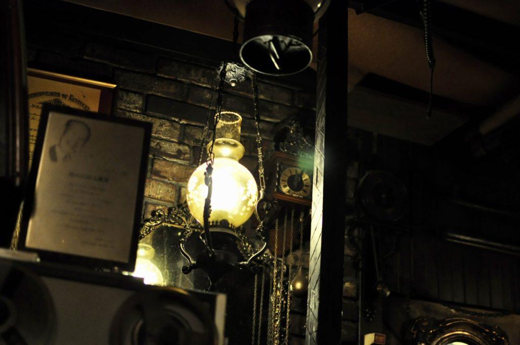 荻窪邪宗門のランプ