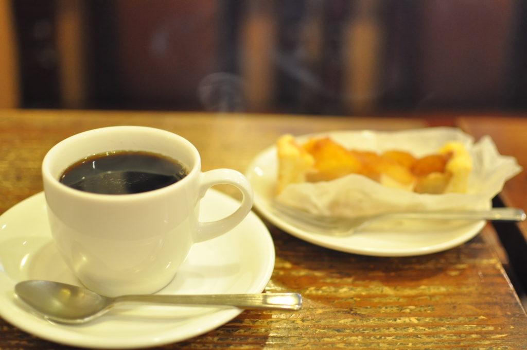 コーヒーとタルト