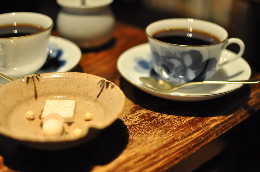 コーヒーとお菓子