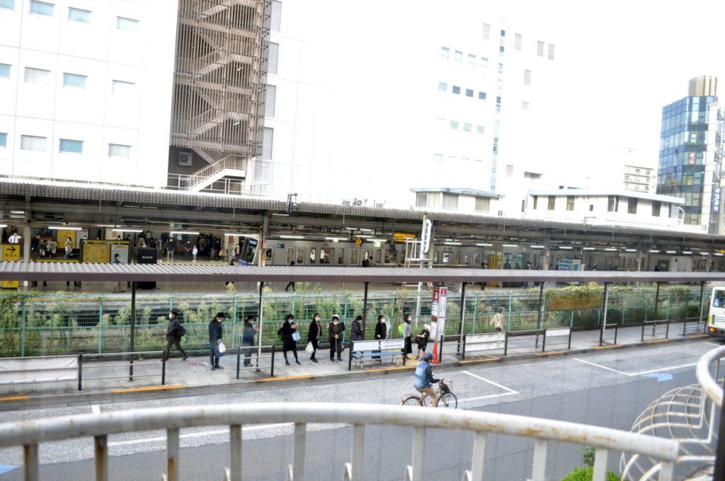 珈里亜の窓から眺める荻窪駅