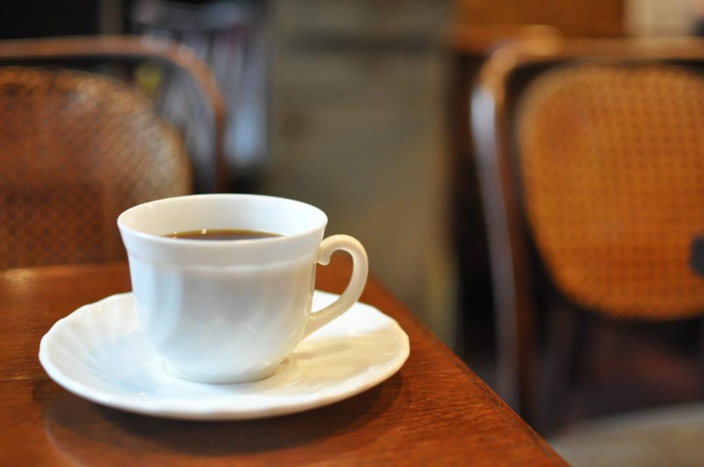 コーヒーと店内の雰囲気