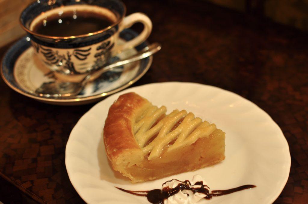 アップルパイとコーヒー