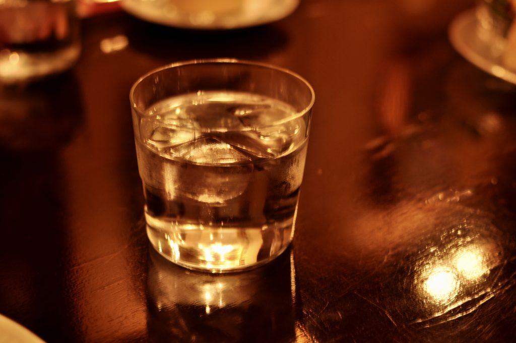 トロワバグのグラス