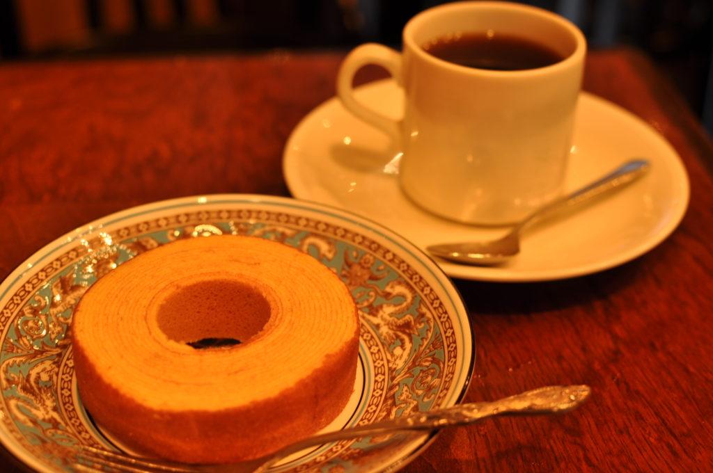 バームクーヘンとコーヒー