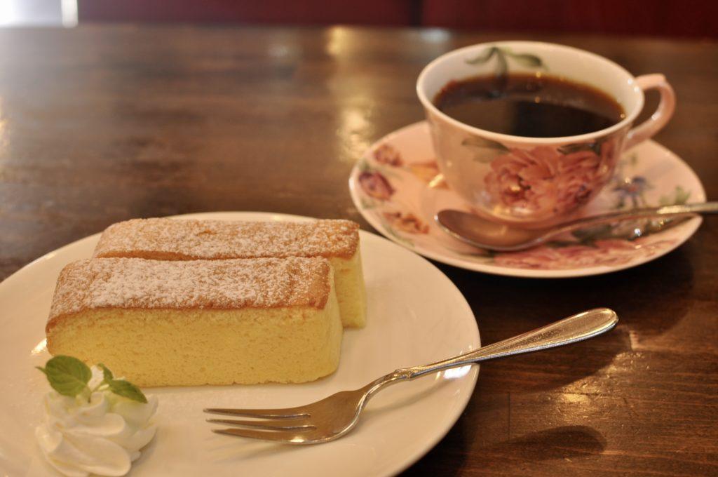 台湾カステラとコーヒー