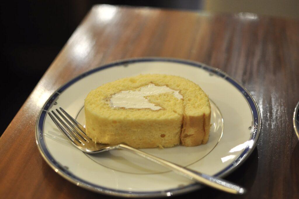 自家製ロールケーキ