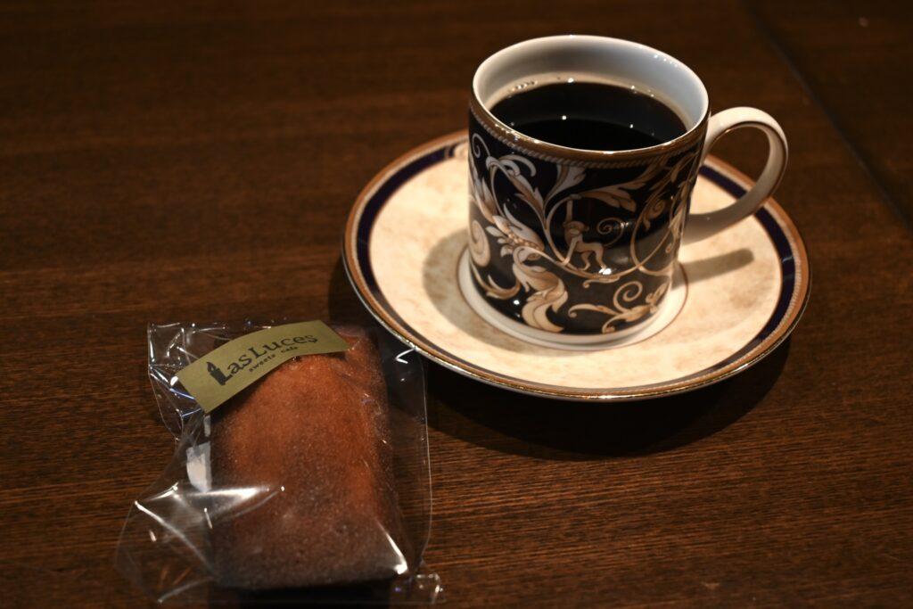 フィナンシェとコーヒー