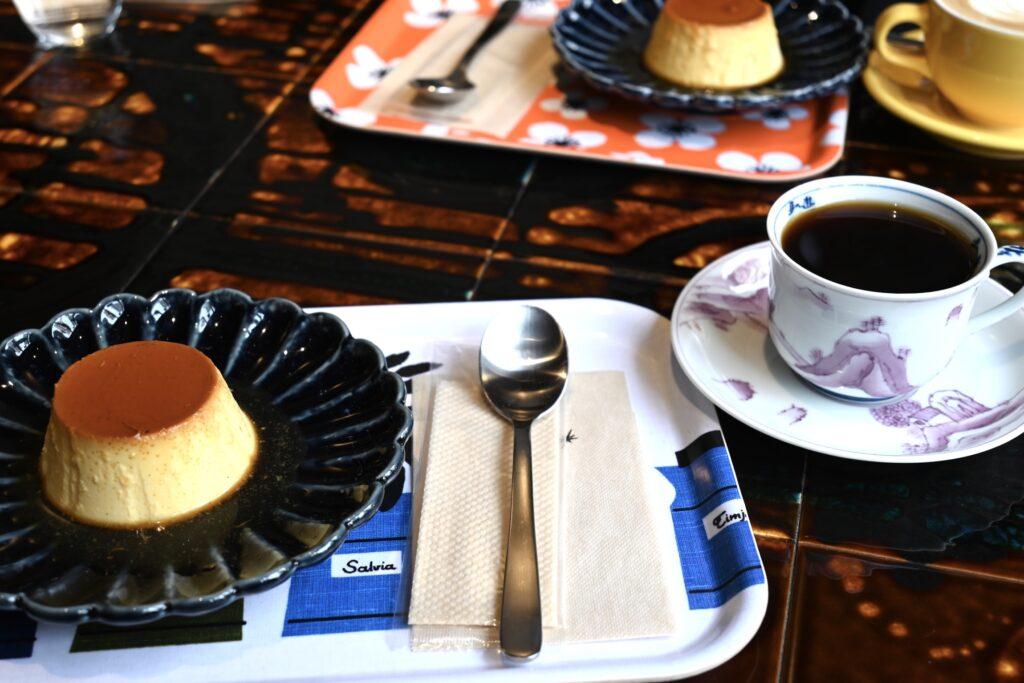 カスタードプリンとコーヒー