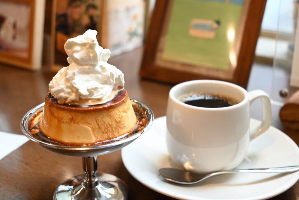 豆電プリンとコーヒー