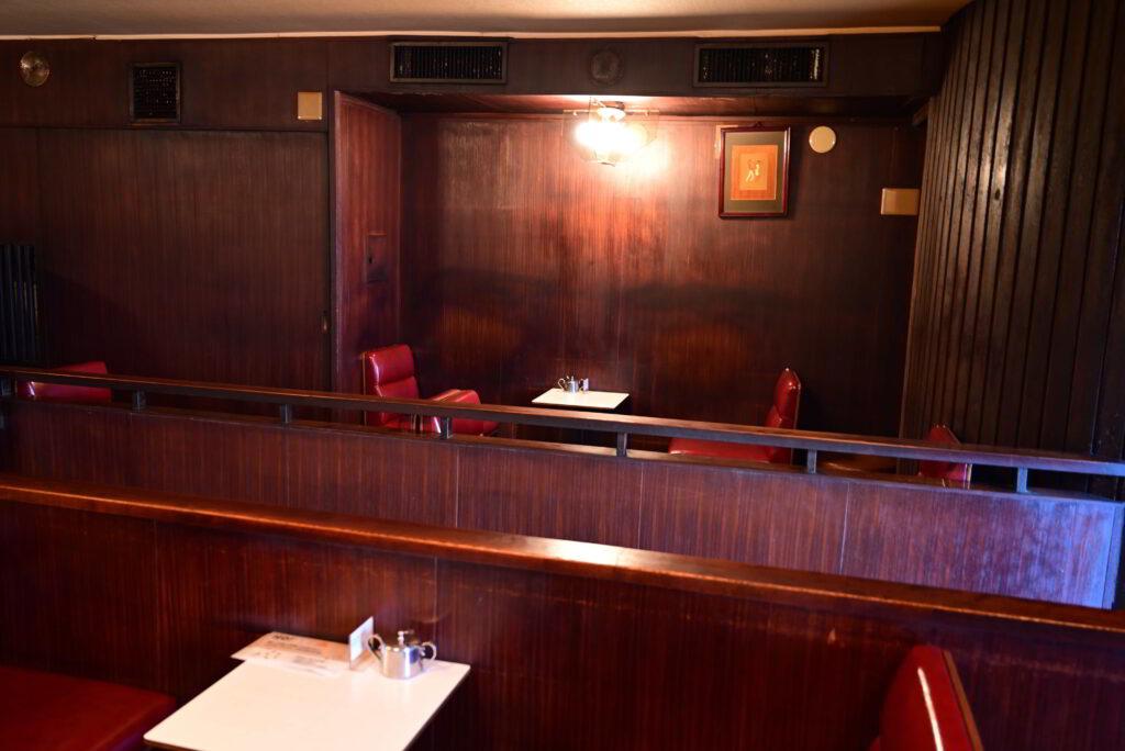 ロンの店内2階席