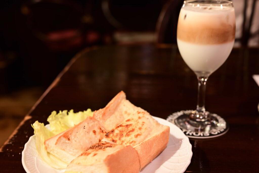 オリジナルトーストとグラッセ