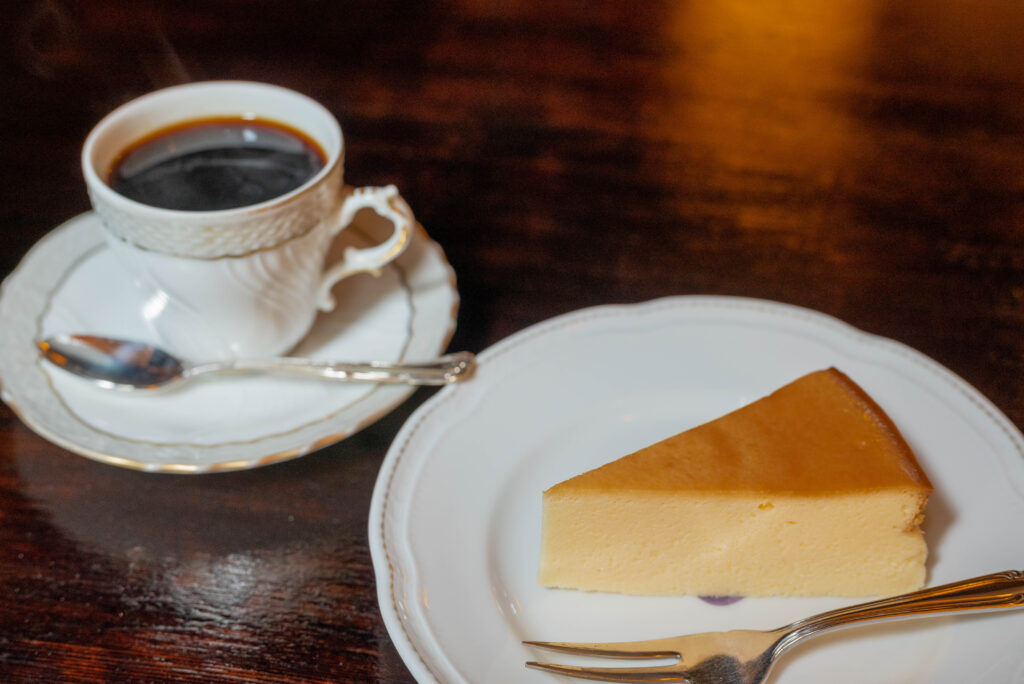 ガトーフロマージュとコーヒー