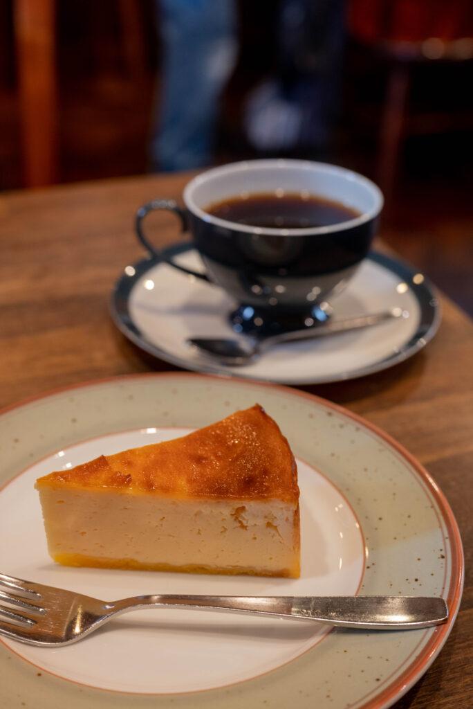 チーズタルトとコーヒー